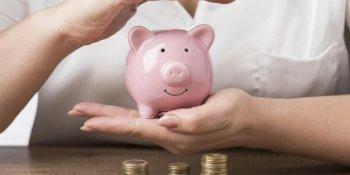 O que pode ser descontado do salário da empregada doméstica?